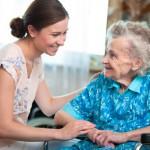 jak-zapewnic-opieke-seniorowi